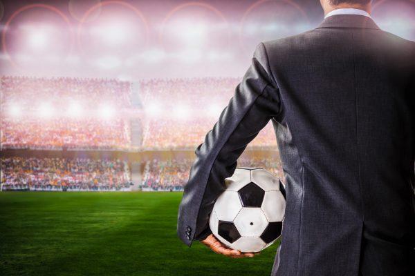 Kaltakquise im B2B-Sektor - so wird Ihre Mannschaft fit für die Champions League ©Fotolia/pixfly